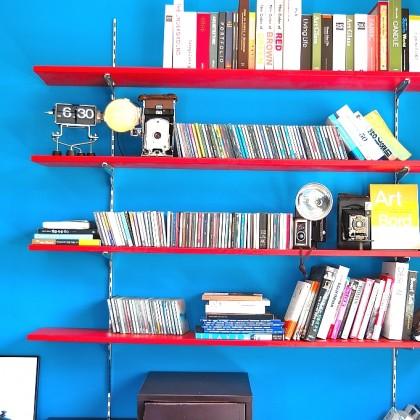作り付けの本棚やマガジンラックをお家に!のんびりできるリラックス空間を作ろう
